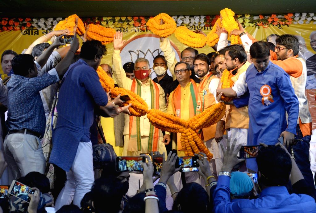 "West Bengal BJP President Dilip Ghosh being felicitated by party workers during ""Ar Noy Annay"" rally organised to protest against the State Government, in Kolkata on Dec 3, 2020. - Dilip Ghosh"