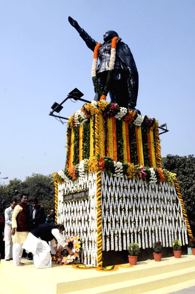 West Bengal Cabinet Minister Subrata Mukherjee and Trinamool Congress (TMC) MP Idris Ali pay tributes to freedom fighter Netaji Subhas Chandra Bose on his 122nd birth anniversary in Kolkata, ... - Subrata Mukherjee