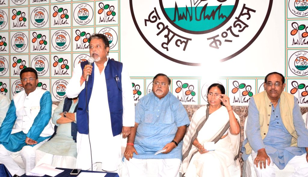 West Bengal Chief Minister and TMC supremo Mamata Banerjee with party leaders Firhad Hakim, Partha Chatterjee, Mukul Roy, Subrata Mukherjee, Sudip Banerjee and others during a party meeting ... - Mamata Banerjee, Partha Chatterjee, Mukul Roy, Subrata Mukherjee and Sudip Banerjee
