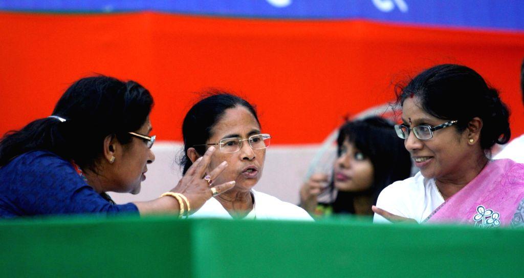 West Bengal Chief Minister and Trinamool Congress supremo Mamata Banerjee during an election rally in Kolkata, on April 16, 2016. - Mamata Banerjee