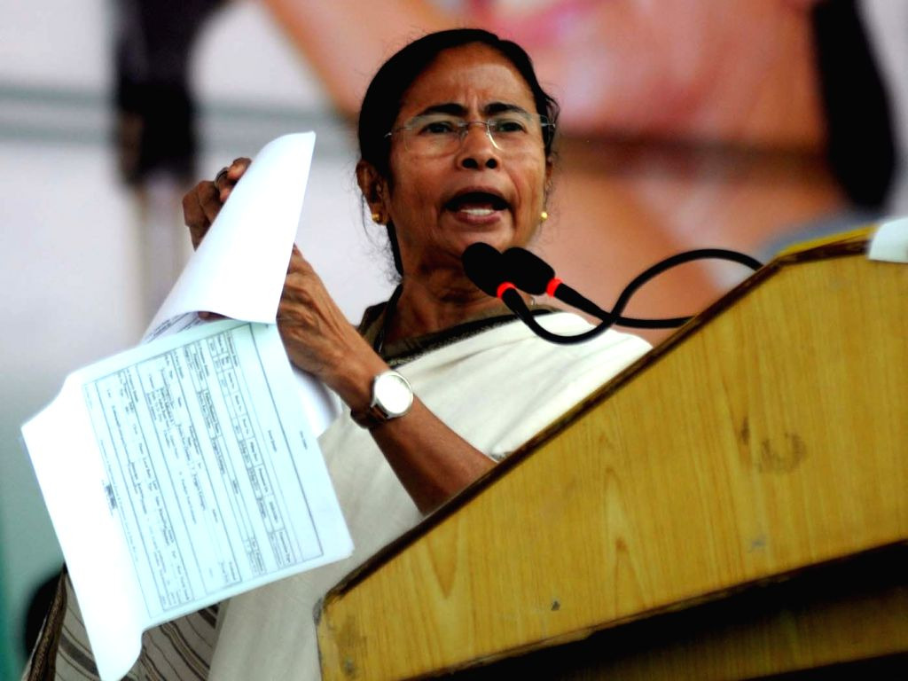 West Bengal Chief Minister and Trinamool Congress (TMC) supremo Mamata Banerjee addresses a rally against demonetisation in Lucknow on Nov 29, 2016. - Mamata Banerjee