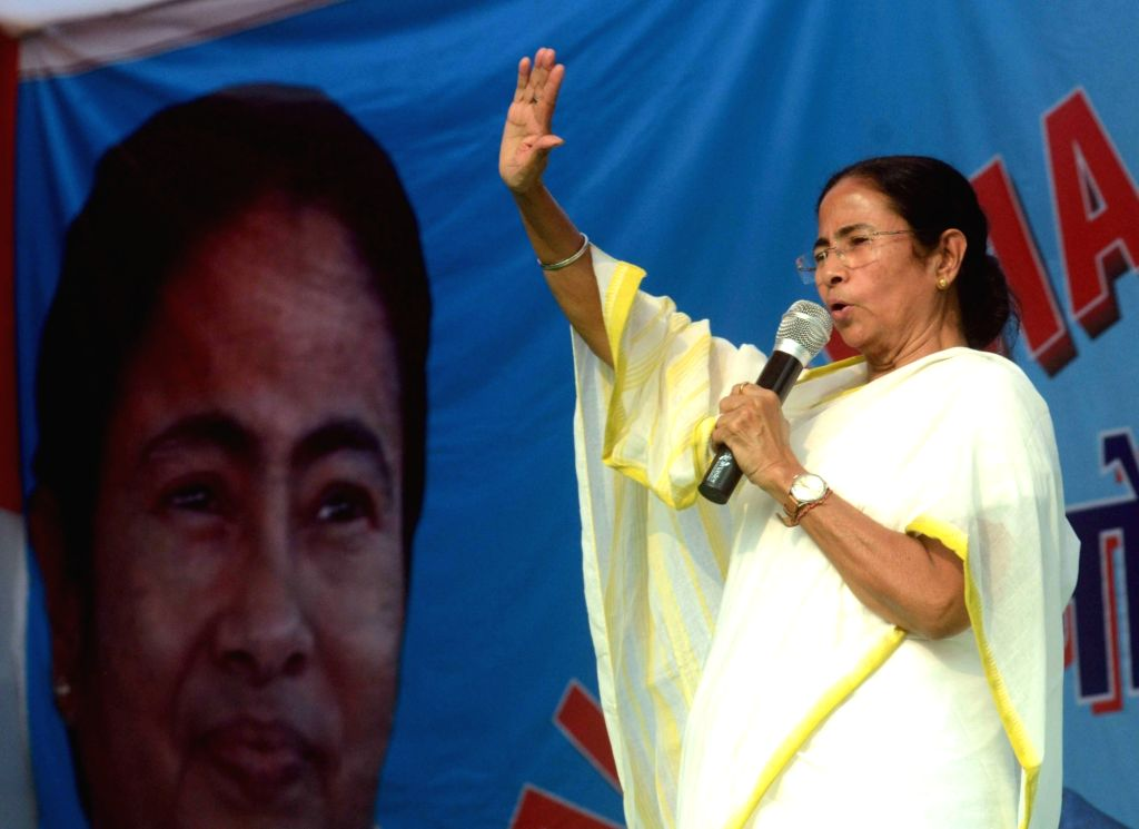 West Bengal Chief Minister and Trinamool Congress (TMC) supremo Mamata Banerjee addresses a rally against demonetisation in Patna on Nov 30, 2016. - Mamata Banerjee