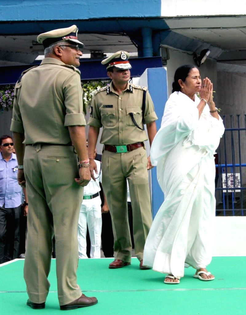 West Bengal Chief Minister Mamata Banerjee arrives at Nabanno after taking oath, in Howrah, on May 27, 2016. - Mamata Banerjee