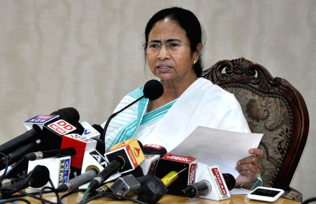 West Bengal Chief Minister Mamata Banerjee addresses a press conference at Nabanno in Howrah on Nov 21, 2016. - Mamata Banerjee