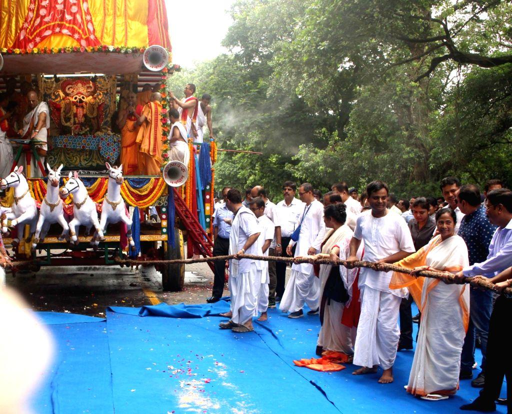 West Bengal Chief Minister Mamata Banerjee participates in Ulta Rath Yatra organised by International Society for Krishna Consciousness (ISKCON) in Kolkata, on July 3, 2017. - Mamata Banerjee