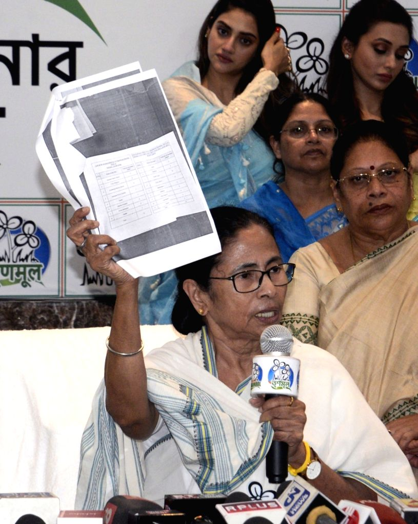 West Bengal Chief Minister Mamata Banerjee addresses a press conference in Kolkata, on March 13, 2019. - Mamata Banerjee
