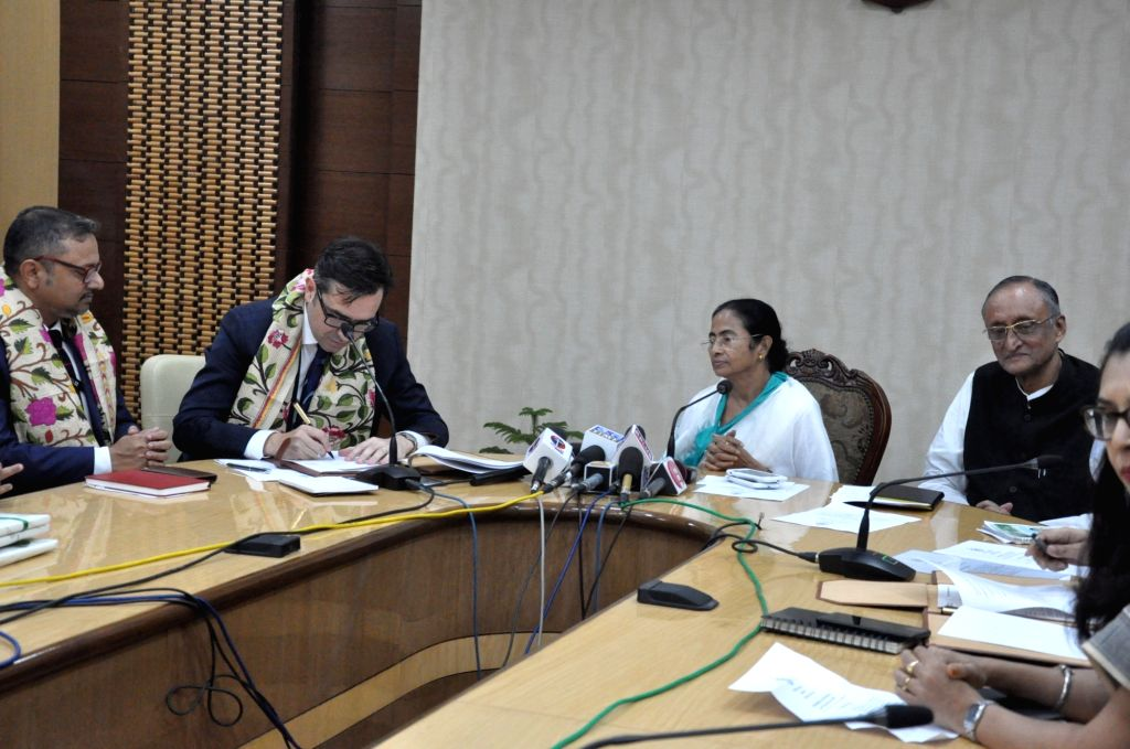 West Bengal Chief Minister Mamata Banerjee and British Council India Director Alan Gemmell OBE during the signing of an memorandum of understanding (MoU) in Kolkata, on July 6, 2018. - Mamata Banerjee