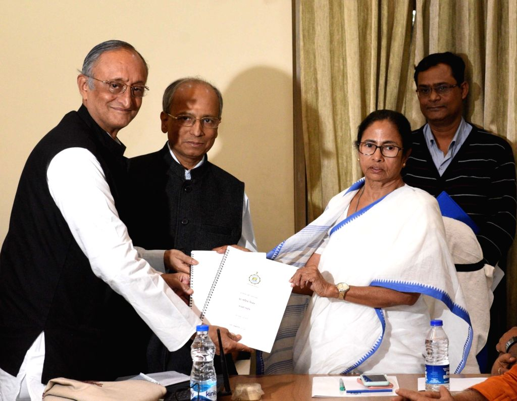 West Bengal Chief Minister Mamata Banerjee and state Finance Minister Amit Mitra during a cabinet meeting in Kolkata, on Feb 4, 2019. - Mamata Banerjee