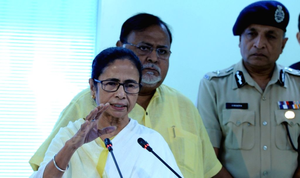 West Bengal Chief Minister Mamata Banerjee briefs the media after an administrative meeting at the state headquarters in Howrah, on Nov 14, 2019. - Mamata Banerjee