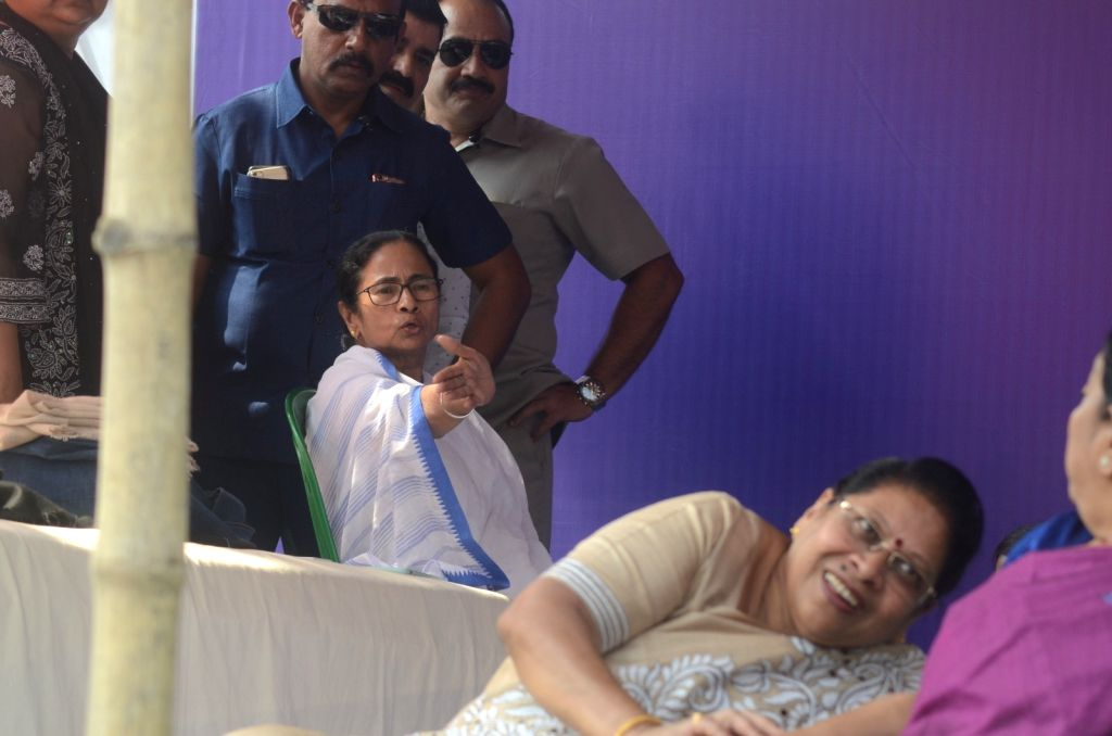 West Bengal Chief Minister Mamata Banerjee during a sit-in (dharna) protest over the CBI's attempt to question Kolkata Police Commissioner Rajeev Kumar in connection with a ponzi scheme ... - Mamata Banerjee