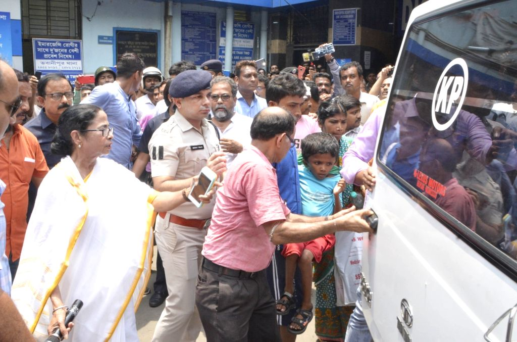 West Bengal Chief Minister Mamata Banerjee during her visit to the state-run Seth Sukhlal Karnani Memorial (SSKM) Hospital where the junior doctors held a strike since the last two days in ... - Mamata Banerjee