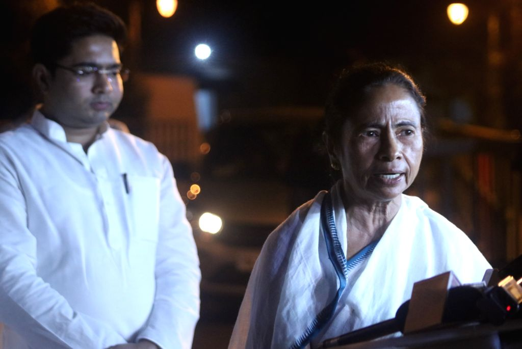 West Bengal Chief Minister Mamata Banerjee talks to the press after meeting UPA Chairperson Sonia Gandhi, in New Delhi on March 28, 2018. - Mamata Banerjee and Sonia Gandhi