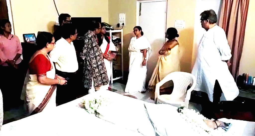 West Bengal Chief Minister Mamata Banerjee visits the residence of Ruma Guha Thakurta, to pay her last respects to the actress-singer who passed away in Kolkata on June 3, 2019. - Mamata Banerjee