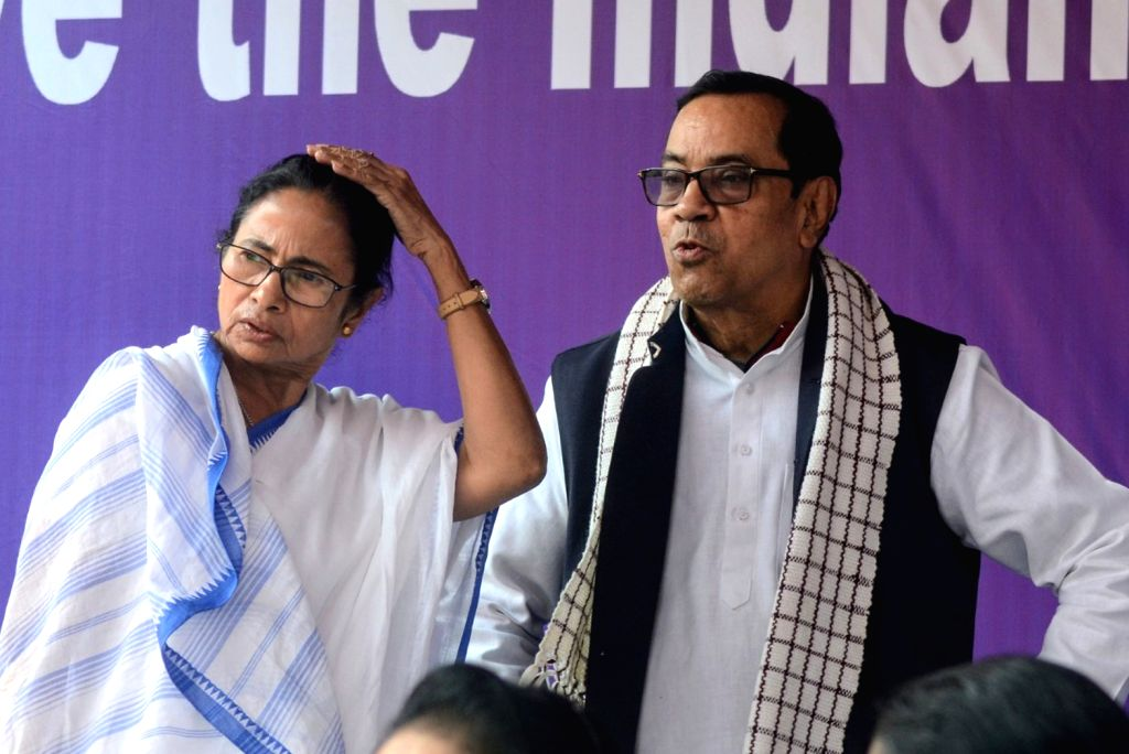 West Bengal Chief Minister Mamata Banerjee with Samajwadi Party (SP) leader Kiranmoy Nanda, who joined her during a sit-in (dharna) protest over the CBI's attempt to question Kolkata Police ... - Mamata Banerjee