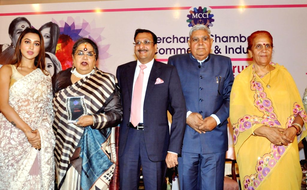 West Bengal Governor Jagdeep Dhankhar, his wife Sudesh Dhankhar, MCCI President Vishal Jhajharia, singer Usha Uthup and actress Mimi Chakraborty during 'MCCI MLF Forum On Women Achievers' ... - Mimi Chakraborty