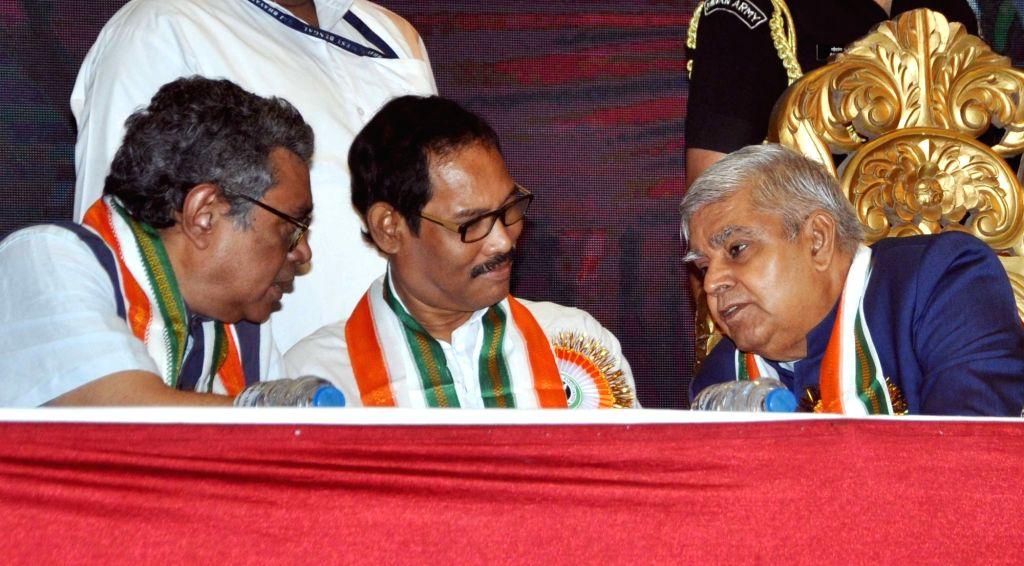 West Bengal Governor ???Jagdeep Dhankhar interacts with BJP MP Jayanta Roy and Swapan Dasgupta during 3rd National Medi-Meet organised Nationalist Doctor's Association in Kolkata on Sep 22, ... - Jayanta Roy