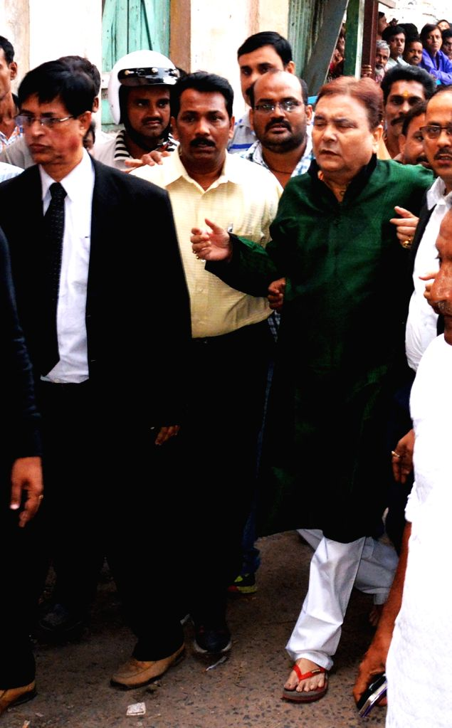 West Bengal Minister Madan Mitra arrives at Alipore Court in Kolkata, on Nov 19, 2015.