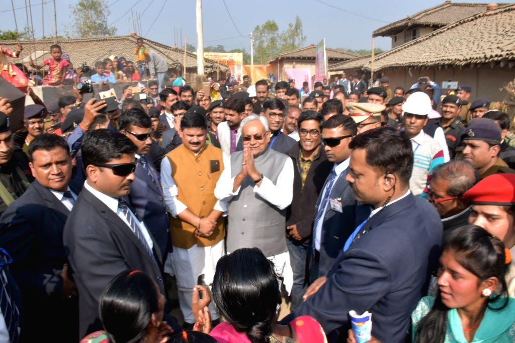 West Champaran: Bihar Chief Minister Nitish Kumar visits mini solar grid in West Champaran district of the state on Dec 5, 2018. - Nitish Kumar