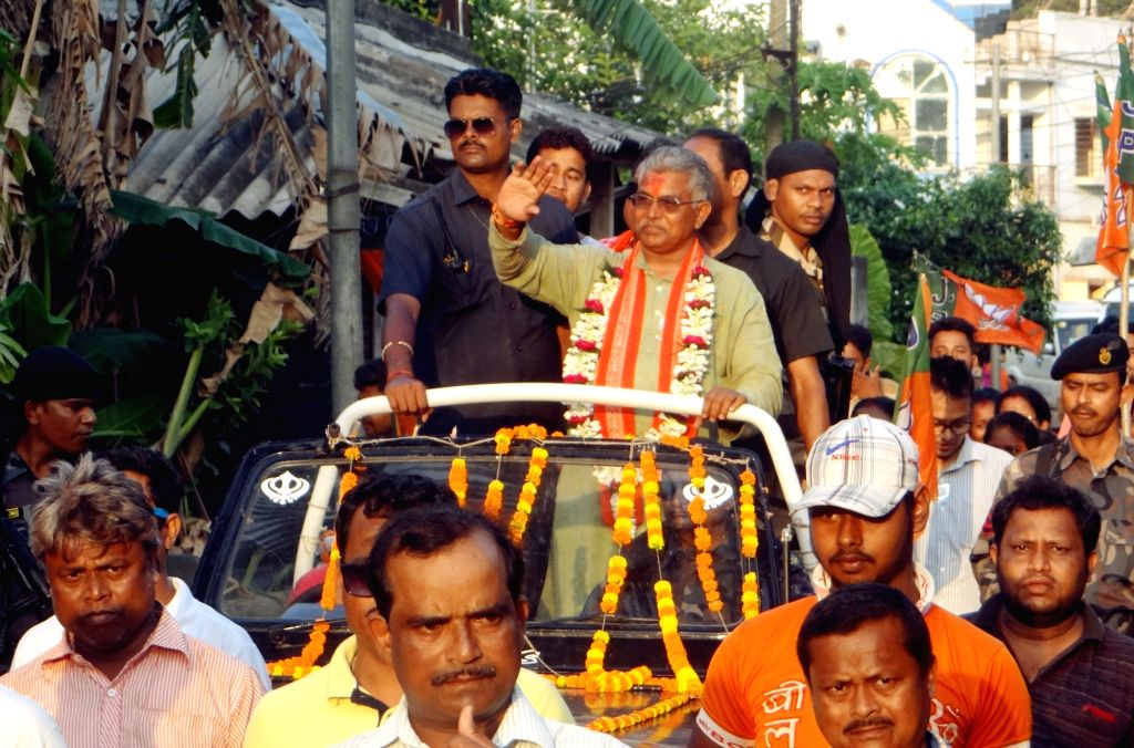 West Midnapore: West Bengal BJP President and the party's Lok Sabha candidate from Midnapore, Dilip Ghosh during a roadshow ahead of the 2019 Lok Sabha elections, at Narayangarh in West Bengal's West Midnapore, on May 2, 2019. (Photo: Indrajit Roy/IA - Dilip Ghosh and Indrajit Roy