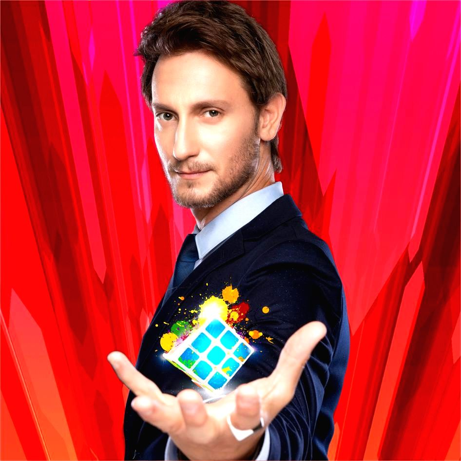 What started as a child play at the age of seven doing mind tricks, has today made him one of the most famous mentalist of the world. Israel-based Lior Suchard has performed in over 50 countries.