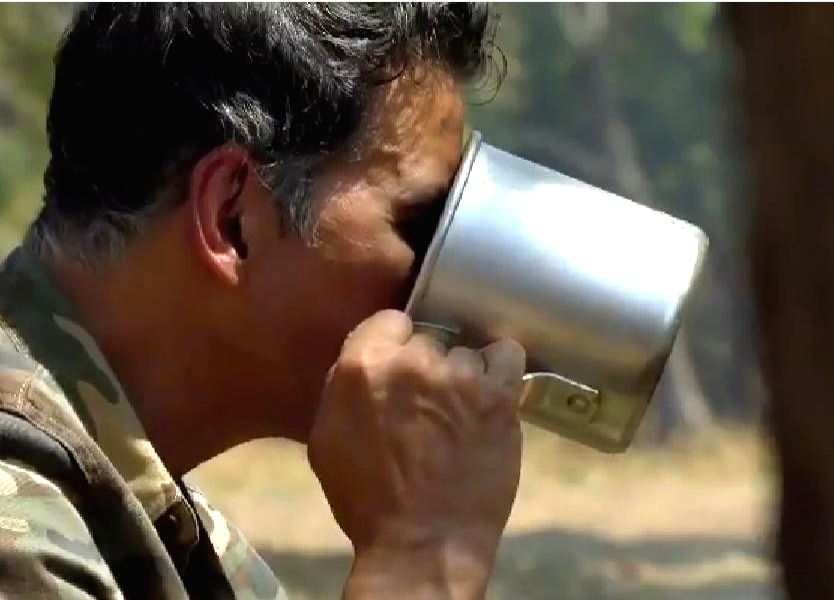 When Akshay Kumar tried elephant poop tea!. - When Akshay Kumar