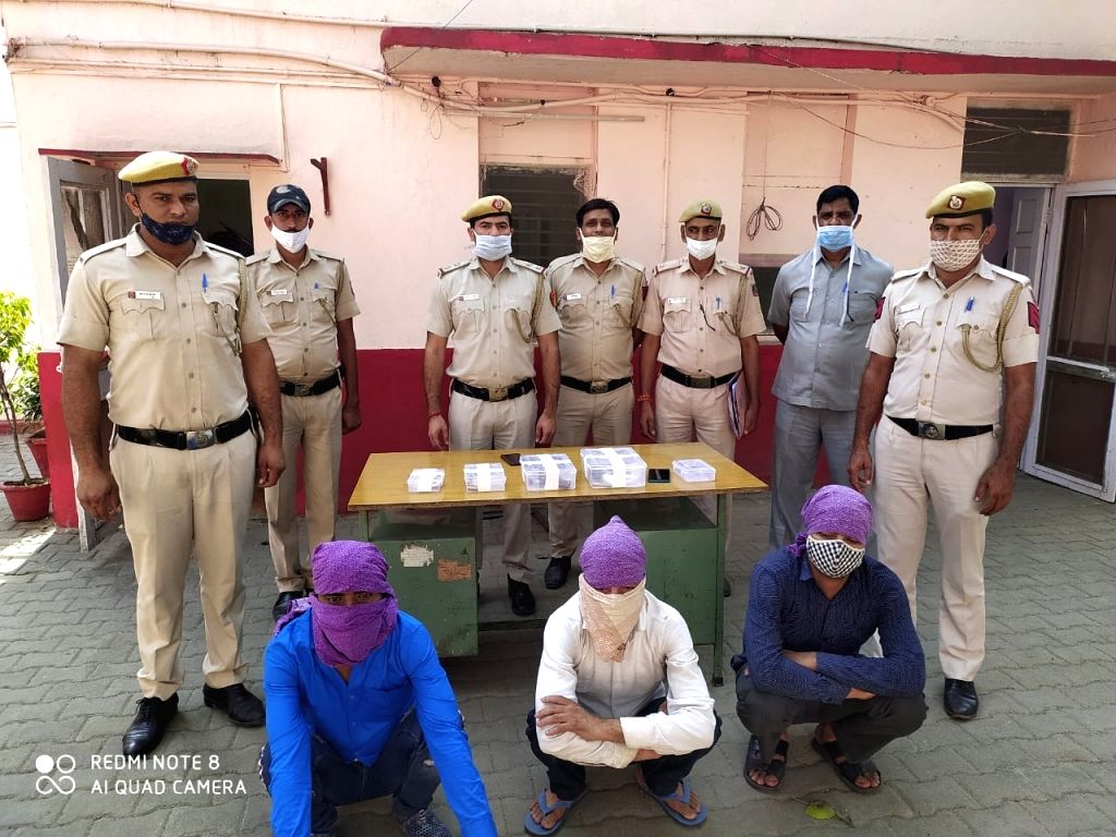 When 'cheating' failed, they robbed their targets, gang on wheels nabbed.