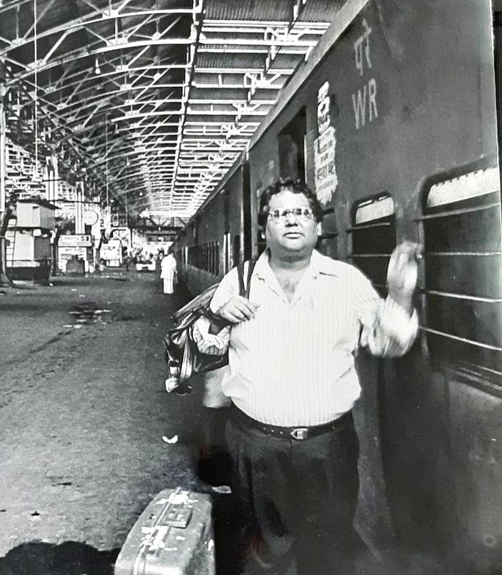 When Satish Kaushik used to work as a cashier.