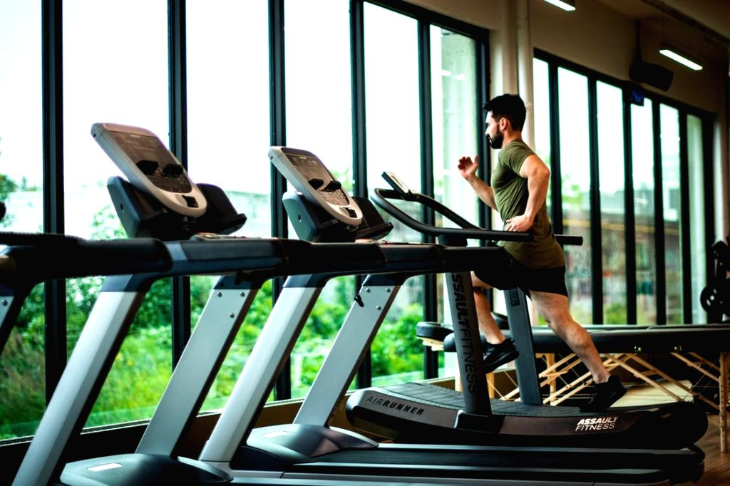 Whenever someone gains weight, the thought of doing cardio to burn the fat is common.