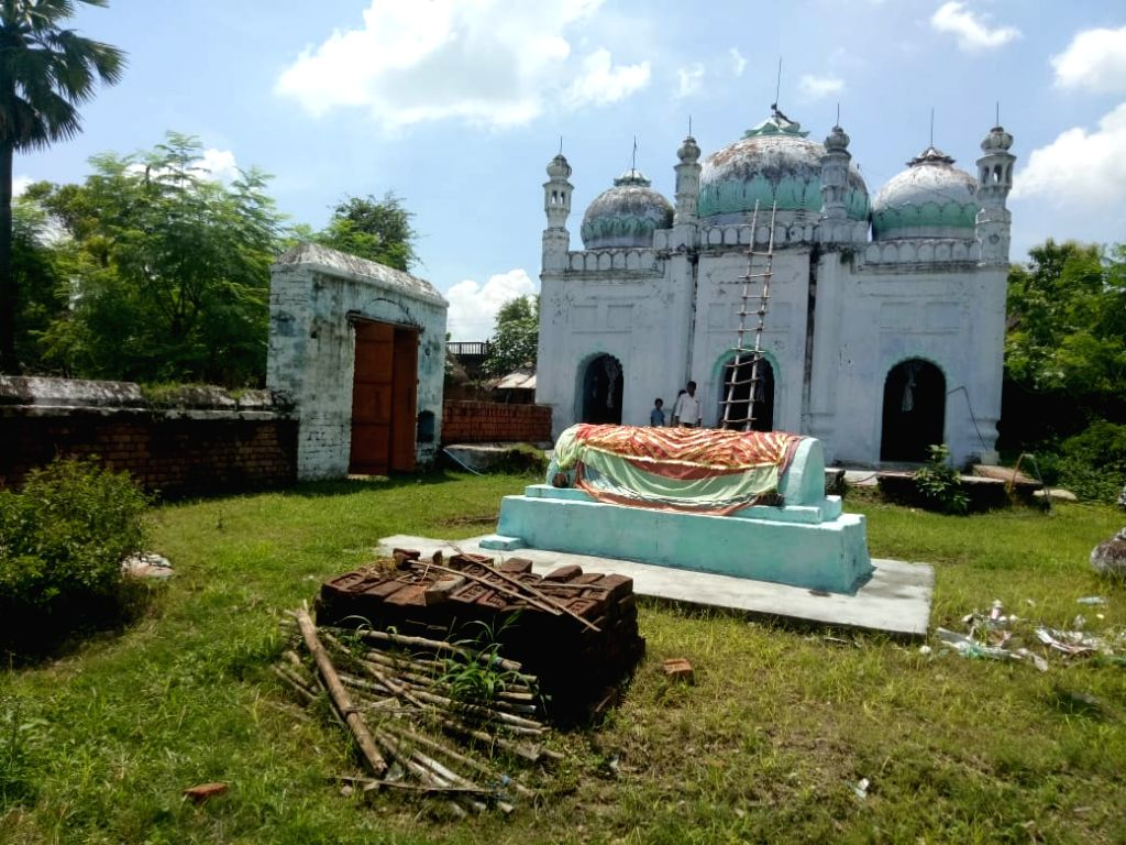 While on many occasions, the situation of communal tensions between Hindus and Muslims in different areas has become common, a village in Nalanda district of Bihar is still presenting an example of Hindu-Muslim unity. You will be surprised to know th