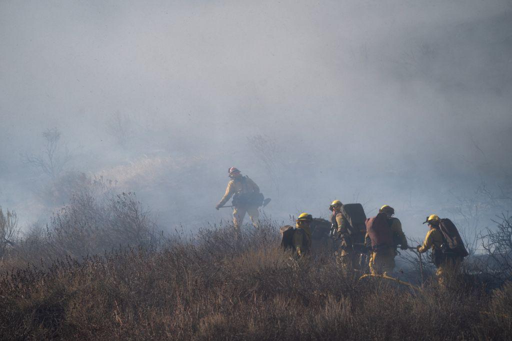 Wildfire rages near Arizona-Utah state line