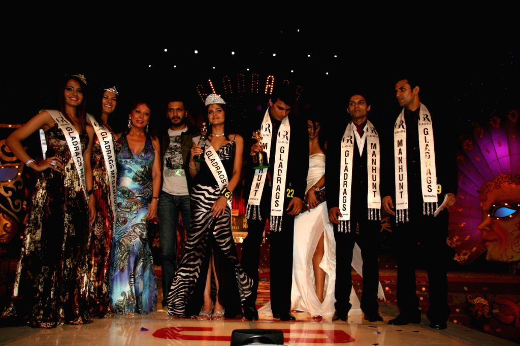 Winners of the Gladrags Mega Model Hunt pose at the finale held in Mumbai Sunday.