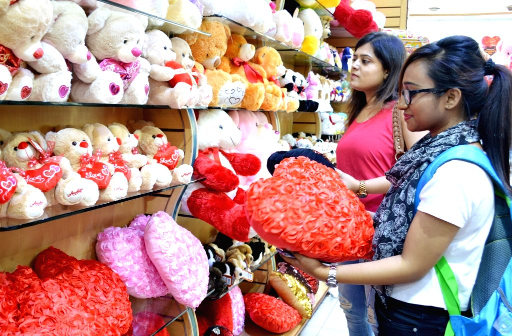 Women busy shopping ahead of Valentine's Day in Bengaluru on Feb 13, 2019.