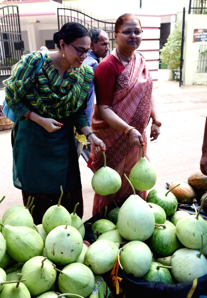 Women busy shopping for vegetables to prepare 'prasad' ahead of Chhath Puja celebrations, in Patna on Oct 30, 2019.