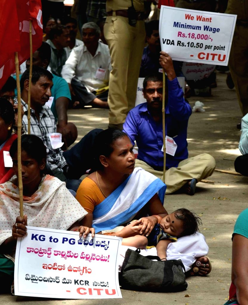 Workers protest demanding minimum wages at the Office of Commissioner of Labour in Hyderabad on Sept 19, 2017.