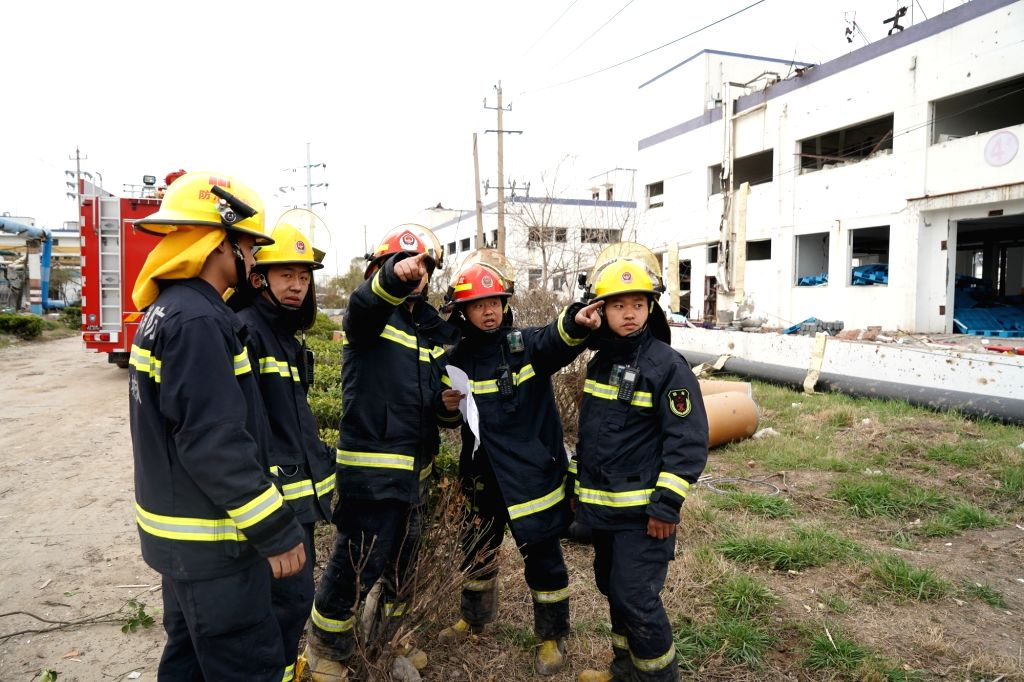 XIANGSHUI, March 23, 2019 (Xinhua) -- Rescuers work at the site of an explosion at a chemical industrial park in Xiangshui County of Yancheng, east China's Jiangsu Province, March 22, 2019. The death toll from an explosion in a chemical plant in east