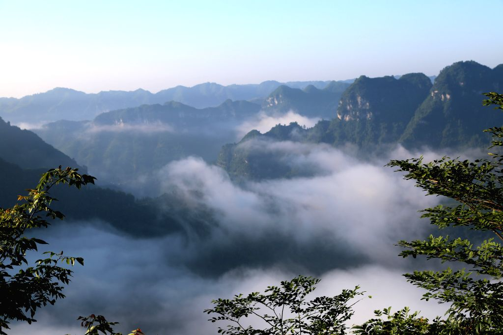 Photo taken on July 29, 2014 shows the scenery of Aizhai grand canyon in Jishou, central China's Hunan Province, July 29, 2014.