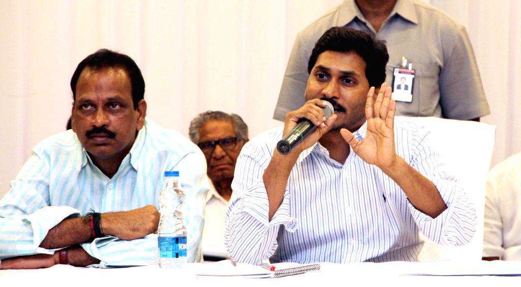 Y S R Congress chief YS Jaganmohan Reddy during a party meeting in Bandlamudi gardens of Andhra Pradesh's Guntur district on July 31, 2014. - Jaganmohan Reddy