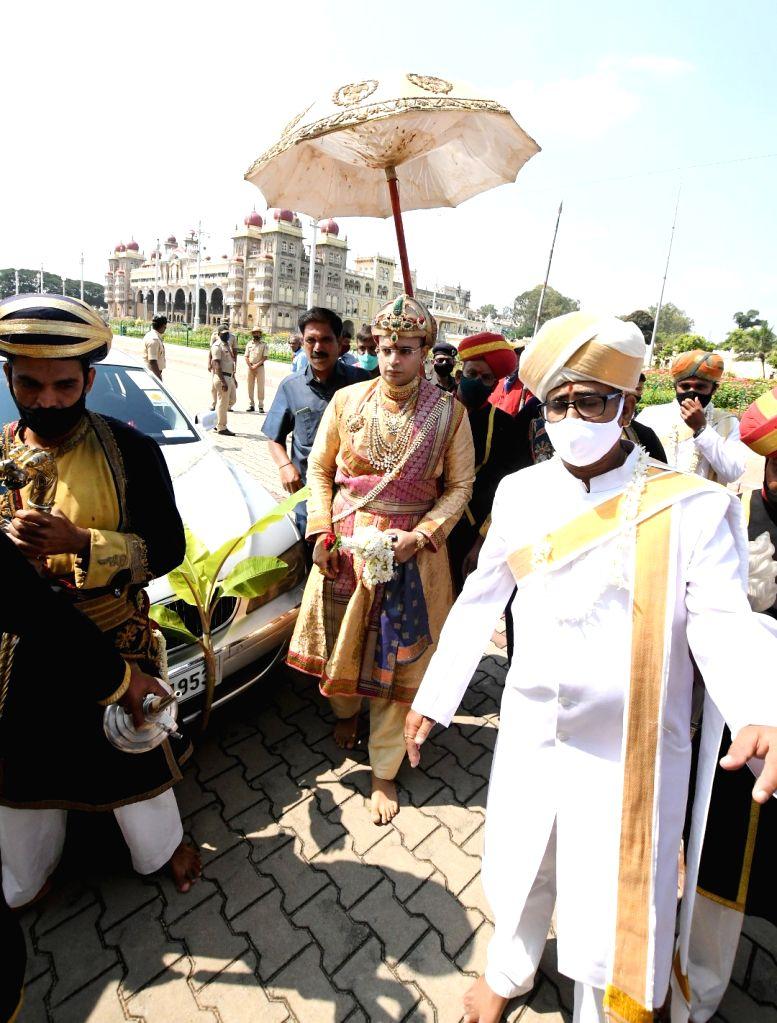 Yaduveer Krishnadatta Chamaraja Wadiyar, the scion of the erstwhile Royal family, arrives to perform Banni puja as part of Vijayadashami celebrations at Mysuru Palace on Oct 26, 2020.