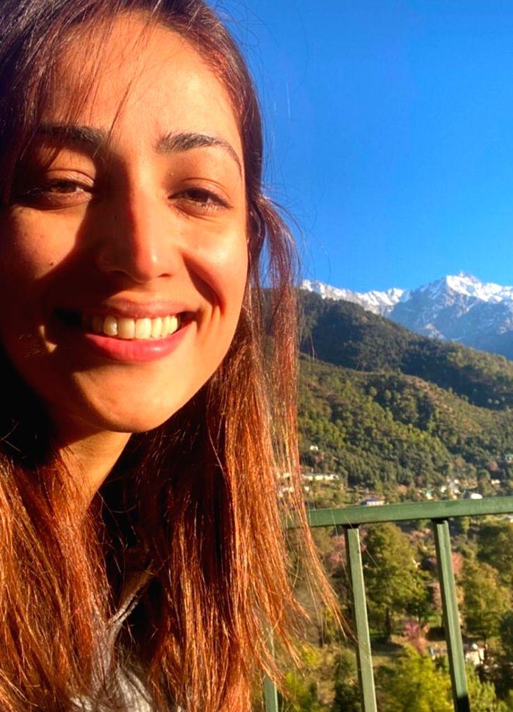 Yami Gautam enjoys Himachal bliss at Bhoot Police outdoors.