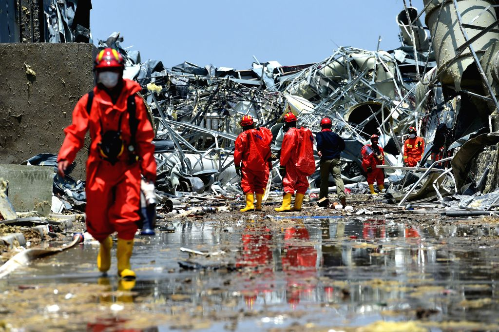 YANCHENG, June 25, 2016 - Firefighters dispose the dangerous chemical products at Atesi company in Funing County of Yancheng City, east China's Jiangsu Province, June 25, 2016. The dangerous chemical ...
