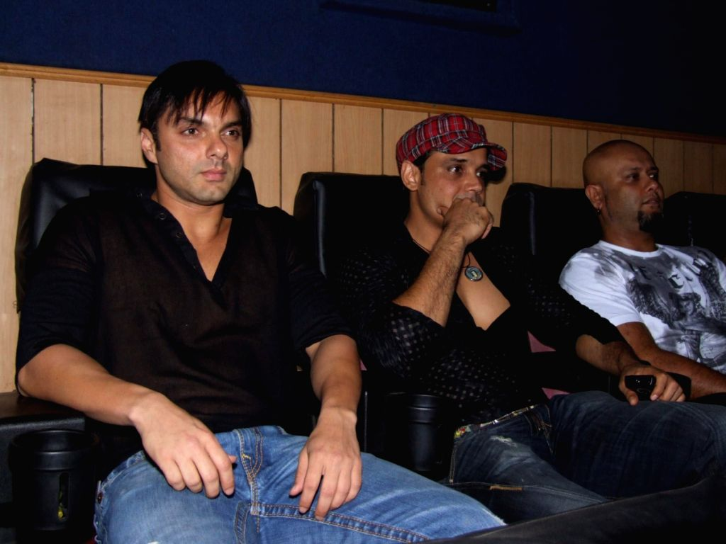 Yash Tonk with Sohail Khan at the Team Premiere at Sun City in Mumbai.
