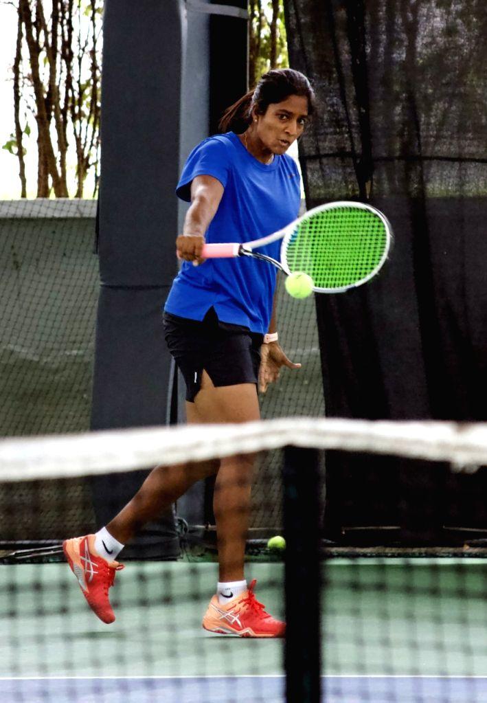 Yashaswini stuns Prathiba to enter quarterfinals of AITA women's tennis