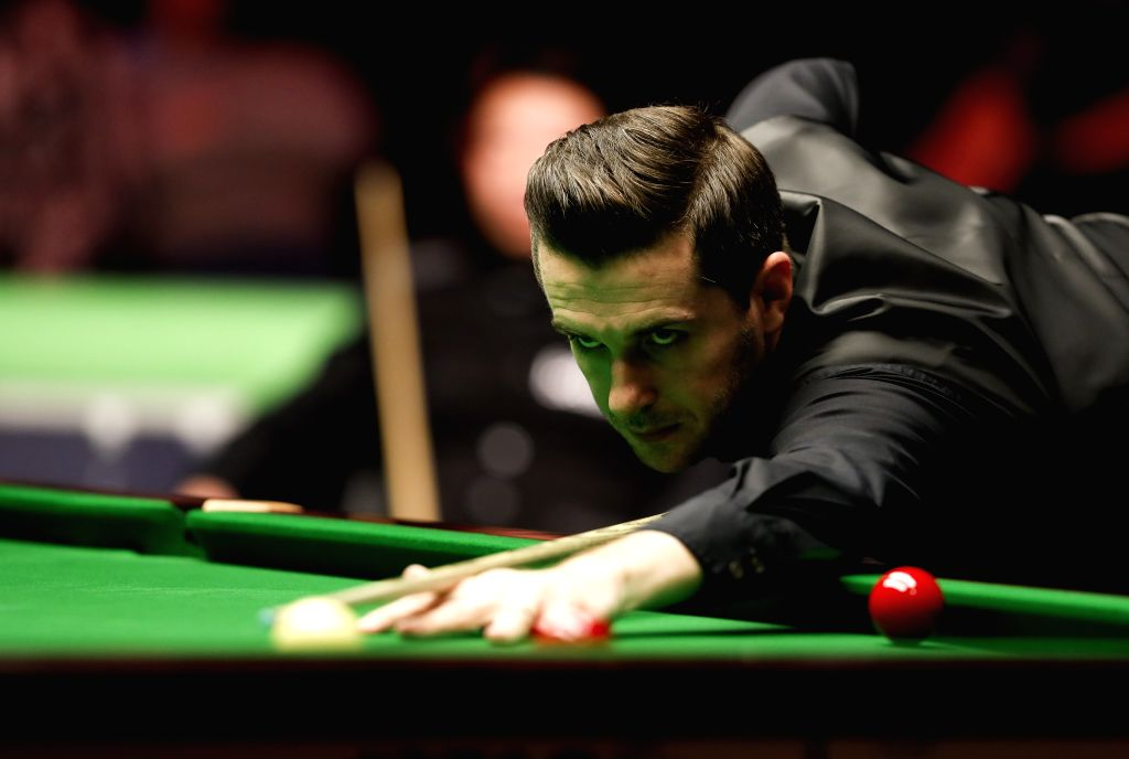 YORK, Dec. 1, 2016 - Mark Selby of England competes during the fourth round match with Zhang Anda of China at the Snooker UK Championship in York, Britain on Nov. 30, 2016.