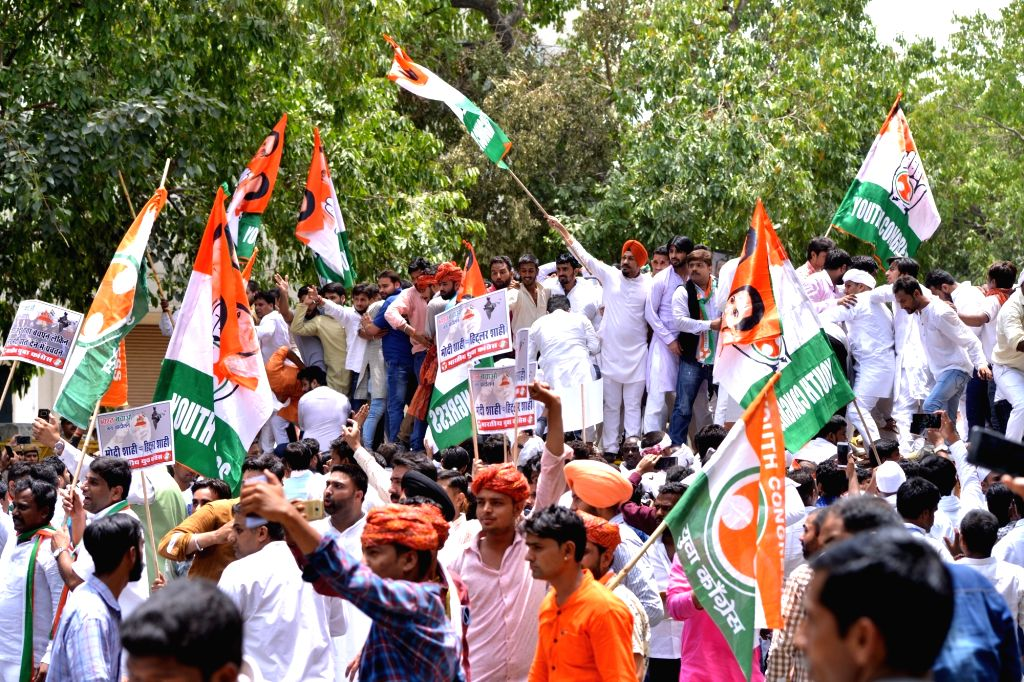 Youth Congress activists stage a demonstration against Prime Minister Narendra Modi-led Central Governmentduring 'Bharat Bachao Jan Andolan' march, in New Delhi on May 30, 2018. - Narendra Modi