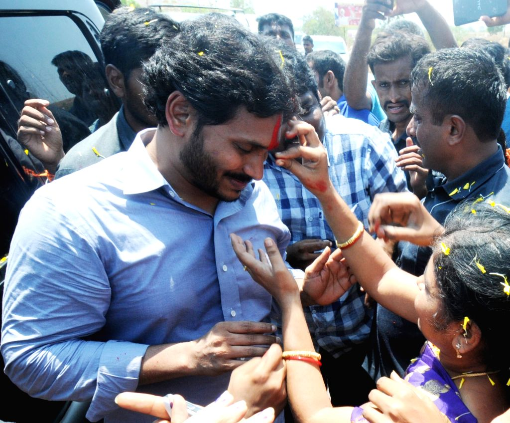 YSR Congress chief YS Jaganmohan Reddy interacts with people during Rath Yatra in YSR Kadapa district of Andhra Pradesh on April 21, 2016. - Jaganmohan Reddy