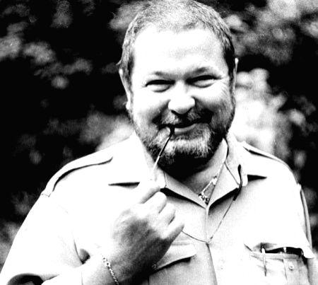 Yulian - Soviet journalist-cum-author and Stirlitz\'s creator, Yulian Semyonov