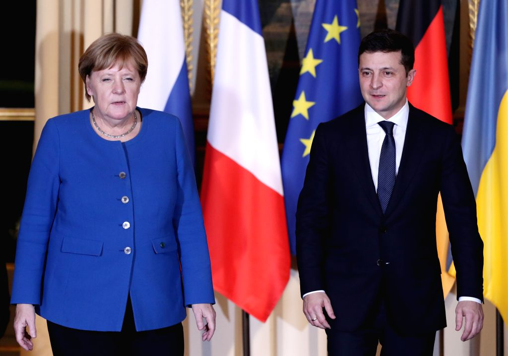 Zelensky, Merkel discuss conflict resolution in E.Ukraine