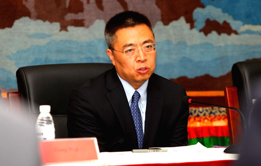 Zhang Xiangchen, vice negotiation representative for international trade of China's Ministry of Commerce, briefs the media about his visit and the further ...