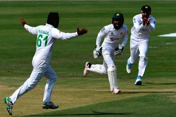 Zimbabwe vs Pakistan, 2nd Test (twitter)---story already released. please check