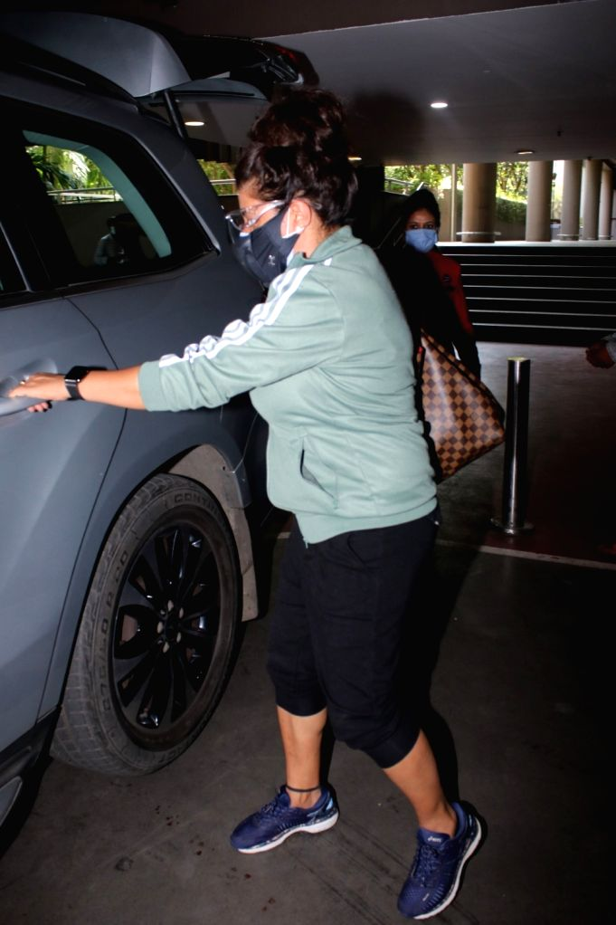 Zoya Akhtar Spotted at Airport Arrival On Tuesday, 04 may, 2021.
